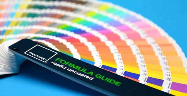 Pantone paletar culori pentru etichete vellum