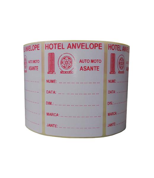 Role personalizate de etichete albe cu text rosu, 100x65mm, 1000 etichete in rola