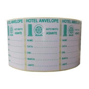 Role personalizate de etichete albe cu text verde, 100x65mm, 1000 etichete in rola
